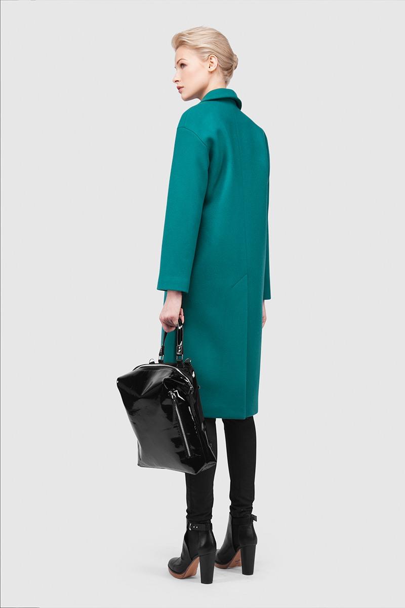 ПальтоПальто<br>Эффектное длинное пальто с шалевым воротником&#13;<br>&#13;<br>Пальто прямого, не приталенного силуэта с шалевым воротником на притачной стойке. Наклонные прорезные карманы с декоративными клапанами. Линия плеча расширена и опущена. Конструкция без подплечиков. Данная модель не утепляется, является демисезонным. Подходит для всех типов фигур - А, Т, О-образных.&#13;<br>&#13;<br>&#13;<br>&#13;<br>мягкое сочетание шерсти и кашемира в составе&#13;<br>&#13;<br>&#13;<br>&#13;<br>подкладка: п/э /вискоза&#13;<br>&#13;<br>&#13;<br>&#13;<br>кнопки-магниты вместо пуговиц&#13;<br>&#13;<br>&#13;<br>&#13;<br>длина размера S при росте 164-170 см: 106 см&#13;<br>&#13;<br>&#13;<br>&#13;<br>модель имеет три ростовки: 158-164 см, 164-170 см и 170-176 см.&#13;<br>&#13;<br>&#13;<br>&#13;<br>размер и другие нюансы уточняются при заказе, мы с вами связываемся по указанному вами номеру телефона<br><br>Цвет: Сумеречный циановый<br>Размер: XXS, XS, S, M