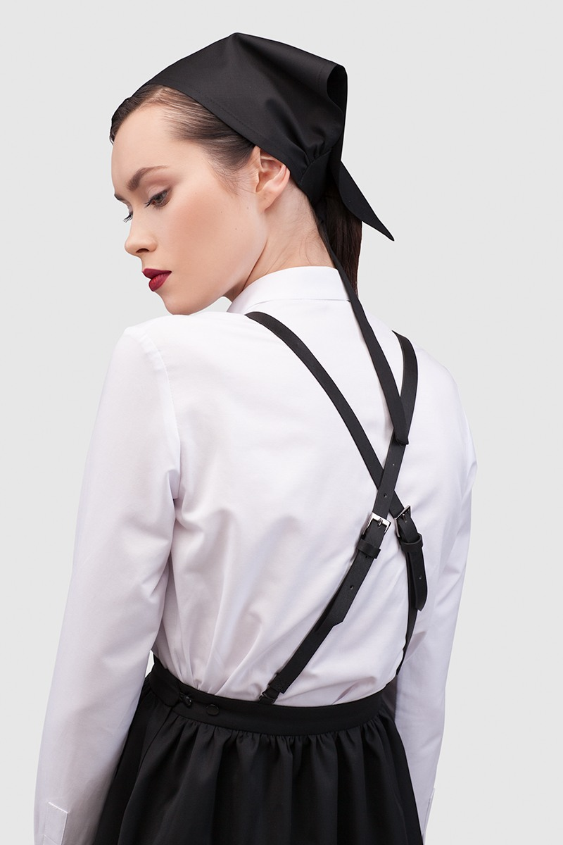 СарафанСарафан со свободной юбкой и нагрудником спереди&#13;<br>&#13;<br>&#13;<br>cъемные кожаные бретельки на резинке, наличие резинки обеспечивает свободу вашим движениям&#13;<br>&#13;<br>накладные боковые карманы&#13;<br>&#13;<br>объем по талии можно регулировать с помощью пуговиц - от 60 см (min) до 68 см (max) в размере S&#13;<br>&#13;<br>длина юбки размер S (от талии до низа изделия): 48 см&#13;<br>&#13;<br>платье рассчитано на рост: 160-176 см&#13;<br>&#13;<br>сарафан отлично сочетается с белой рубашкой и косынкой<br><br>Цвет: Черный<br>Размер: XS, S, M<br>Ростовка: 164 -170
