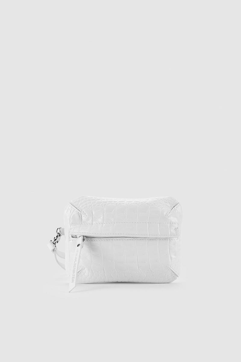 Сумка на поясСумка-клатч и поясная сумка на молнии из плотной кожи&#13;<br>&#13;<br>&#13;<br>к сумке прилагается ремень на пояс и отстегивающийся ремешок на запястье&#13;<br>&#13;<br>клатч можно носить как самостоятельно, так и в комплекте с поясом или бандажом&#13;<br>&#13;<br>размер сумки: 20х15 см<br><br>Цвет: Белый крокодил, Чёрный крокодил