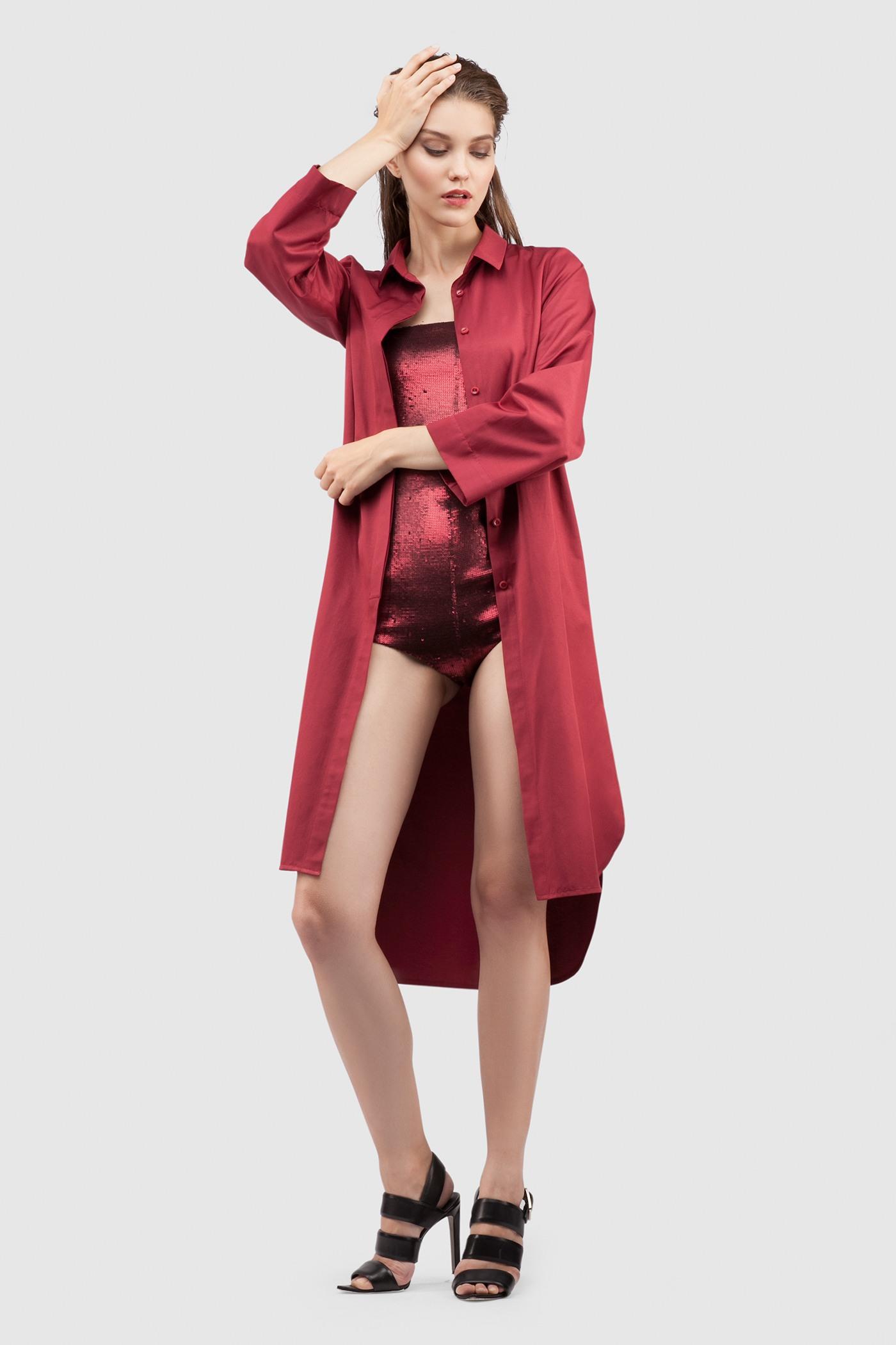 Комплект Платье-Рубашка+БодиКомплект состоит из платья-рубашки и боди&#13;<br>&#13;<br>Удлиненное платье-рубашка из тонкого струящего хлопка&#13;<br>&#13;<br>застегивается на пуговицы&#13;<br>&#13;<br>карманы в боковых швах&#13;<br>&#13;<br>длина рубашки при ростовке 164-170 см по спинке - 112 см, спереди 94 см&#13;<br>&#13;<br> &#13;<br>&#13;<br>Элегантное боди с пайетками&#13;<br>&#13;<br>прилегающий силуэт&#13;<br>&#13;<br>в комплекте съёмные регулируемые брeтели&#13;<br>&#13;<br>застёгивается на потайную молнию сзади&#13;<br>&#13;<br>мягкая подкладка из трикотажа<br><br>Цвет: Бордовый, Черный<br>Размер: XS, S, M