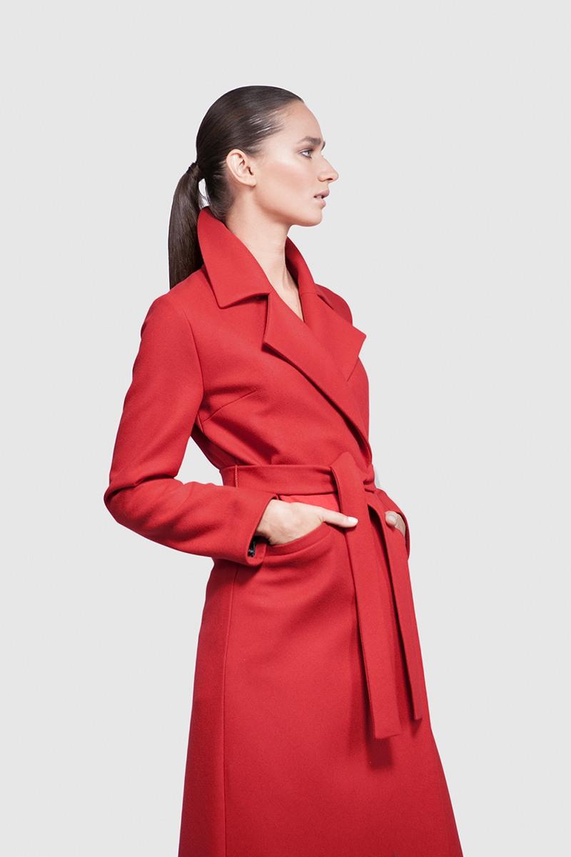 Пальто - ВЕНА (2.0)Пальто<br>Эффектное длинное пальто с английским воротником&#13;<br>&#13;<br>Элегантное классическое пальто VIENNA (Вена), выполненное из шерсти, станет отличной базой для любого городского гардероба. Рекомендуемый тепловой режим: от +15 до - 8 градусов (кроме пальто в цвете кэмел, рекомендуемый тепловой режим: от +15 до 0 градусов).&#13;<br>&#13;<br>&#13;<br>кнопки-магниты вместо пуговиц&#13;<br>&#13;<br>тканный пояс-кушак&#13;<br>&#13;<br>два прорезных кармана спереди&#13;<br>&#13;<br>прямой крой с плотной посадкой на фигуре&#13;<br>&#13;<br>длина размера S при росте 164-170 см: 118 см&#13;<br>&#13;<br>модель имеет 5 ростовок: 152-158 см, 158-164 см, 164-170 см, 170-176 см, 176-182 см. Размер и другие нюансы уточняются при заказе, мы с вами связываемся по указанному вами номеру телефона&#13;<br>&#13;<br>&#13;<br>Если у вас остались вопросы, пишите нам на электронную почту ASYAMALBERSHTEIN@GMAIL.COM или звоните по номеру +7 (812) 649-17-99, мы постараемся ответить на ваши вопросы и помочь определиться вам с выбором или размерной сеткой наших изделий.<br><br>Цвет: Красный, Бордовый, Винный<br>Размер: L, XL, XXS, S, M, XS<br>Ростовка: 152 - 158, 158 -164, 164 -170, 170 -176, 176 -182