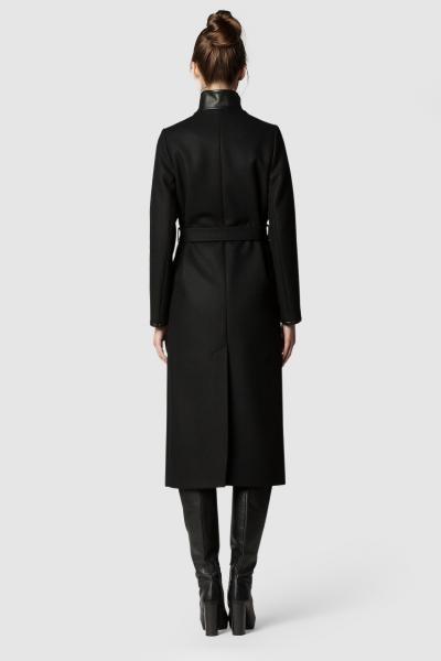 Пальто - СТОКГОЛЬМ (1.0)Пальто<br>Шерстяное пальто с запахом&#13;<br>&#13;<br>Элегантное классическое пальто STOCKHOLM (Стокгольм), выполненное из шерсти, станет отличной базой для любого городского гардероба. Рекомендуемый тепловой режим: от +15 до -12 градусов.&#13;<br>&#13;<br>&#13;<br>кнопки-магниты вместо пуговиц&#13;<br>&#13;<br>вместительные карманы&#13;<br>&#13;<br>кожаная окантовка рукавов и карманов только в модели из чёрной шерсти&#13;<br>&#13;<br>внутренний карман для телефона&#13;<br>&#13;<br>длина размера S при росте 164/170 - 121 см&#13;<br>&#13;<br>модель имеет 3 ростовки: 158-164, 164-170, 170-176 см, размер и другие нюансы уточняются при заказе, мы с вами связываемся по указному вами номеру телефона&#13;<br>&#13;<br>рост у модели более 175 см., пальто на модели представлено с ростовкой 164-170&#13;<br>&#13;<br>&#13;<br>Если у вас остались вопросы, пишите нам на электронную почту ASYAMALBERSHTEIN@GMAIL.COM или звоните по номеру +7 (812) 649-17-99, мы постараемся ответить на ваши вопросы и помочь определиться вам с выбором или размерной сеткой наших изделий.<br><br>Цвет: Черничный<br>Размер: L, XS, S, M<br>Ростовка: 158 -164, 164 -170, 170 -176
