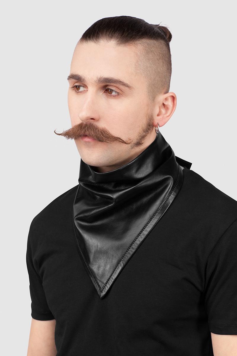 КосынкаКосынка черного цвета из тонкой кожи на подкладке, с длинными завязками.<br><br>Цвет: Черный