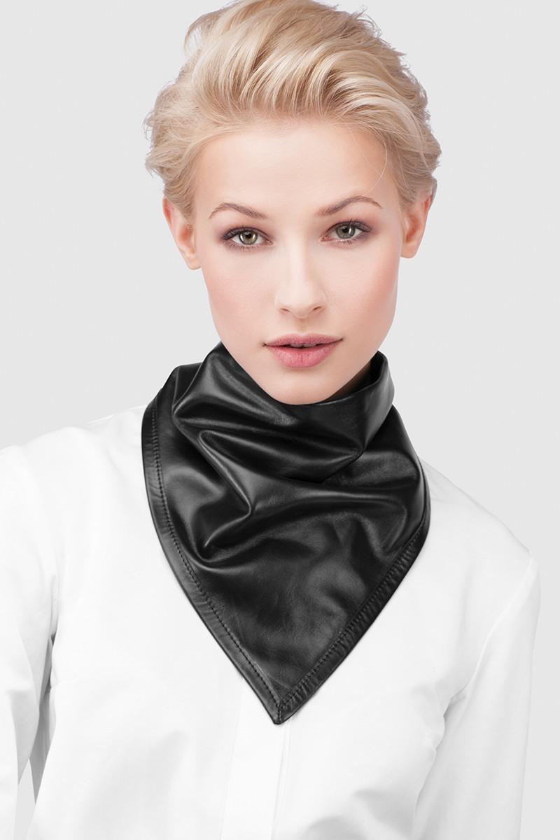 КосынкаКосынка из тонкой кожи черного цвета на подкладке с длинными завязками<br><br>Цвет: Черный