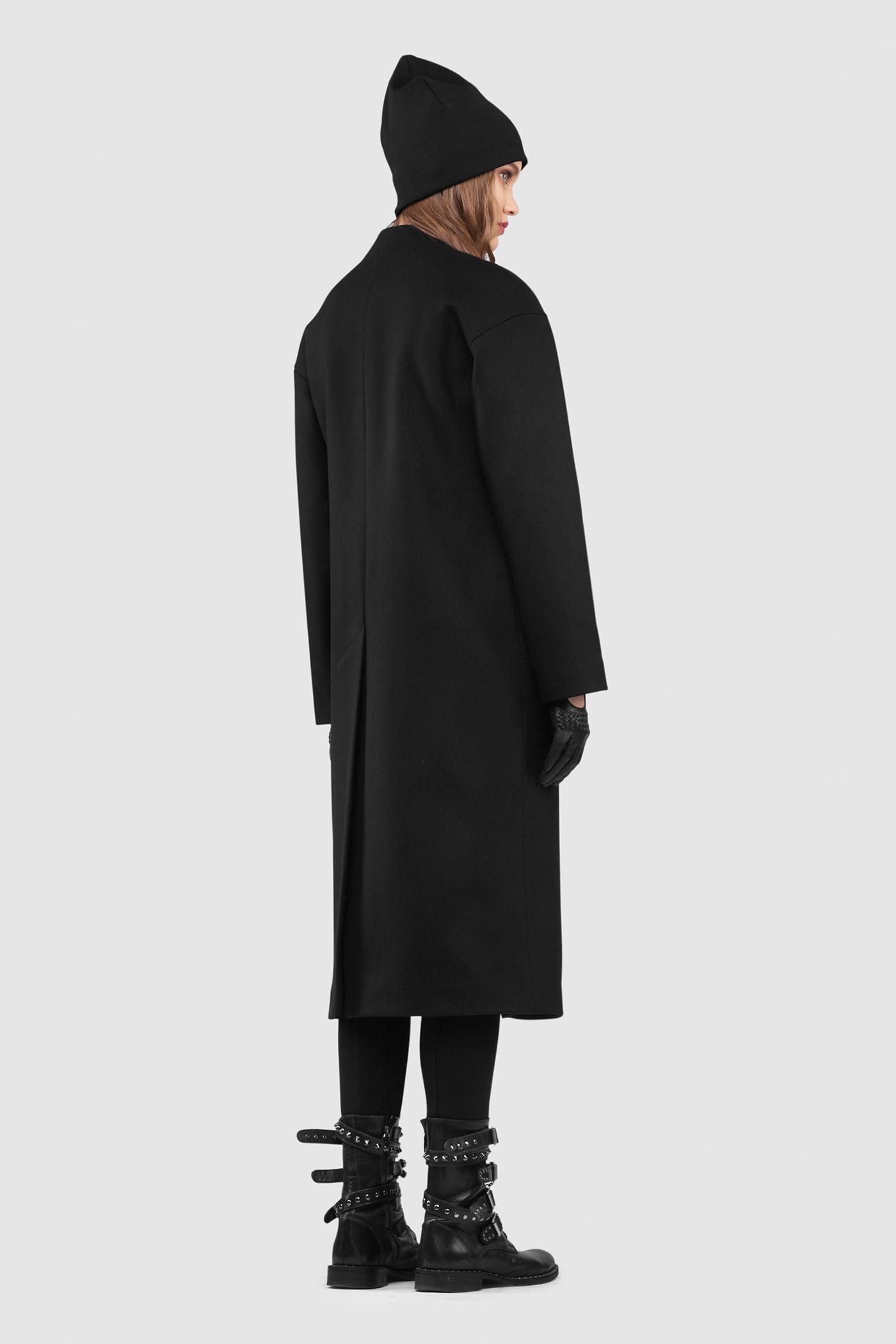 Пальто - ОСЛОПальто<br>Пальто OSLO (Осло) прямого, неприталенного силуэта на запахе. Застежка на кожаный хлястик, чуть ниже уровня талии. Карманы с широкой листочкой несколько смещены к боковому шву. Линия плеча расширена и опущена. Конструкция без подплечников. Модель подходит для всех типов фигур - А, Т, О-образных.&#13;<br>&#13;<br>&#13;<br>рекомендуемая сезонность: весна, осень&#13;<br>&#13;<br>длина размера S при росте 164-170 см: 106 см&#13;<br>&#13;<br>внутренний карман для телефона&#13;<br>&#13;<br>модель имеет три ростовки: 158-164 см, 164-170 см и 170-176 см.&#13;<br>&#13;<br>размер и другие нюансы уточняются при заказе, мы с вами связываемся по указанному вами номеру телефона&#13;<br>&#13;<br>&#13;<br>Если у вас остались вопросы, пишите нам на электронную почту ASYAMALBERSHTEIN@GMAIL.COM или звоните по номеру +7 (812) 649-17-99, мы постараемся ответить на ваши вопросы и помочь определиться вам с выбором или размерной сеткой наших изделий.<br><br>Цвет: Черный<br>Размер: L, XS, S, M<br>Ростовка: 152 - 158, 158 -164, 164 -170, 170 -176, 176 -182