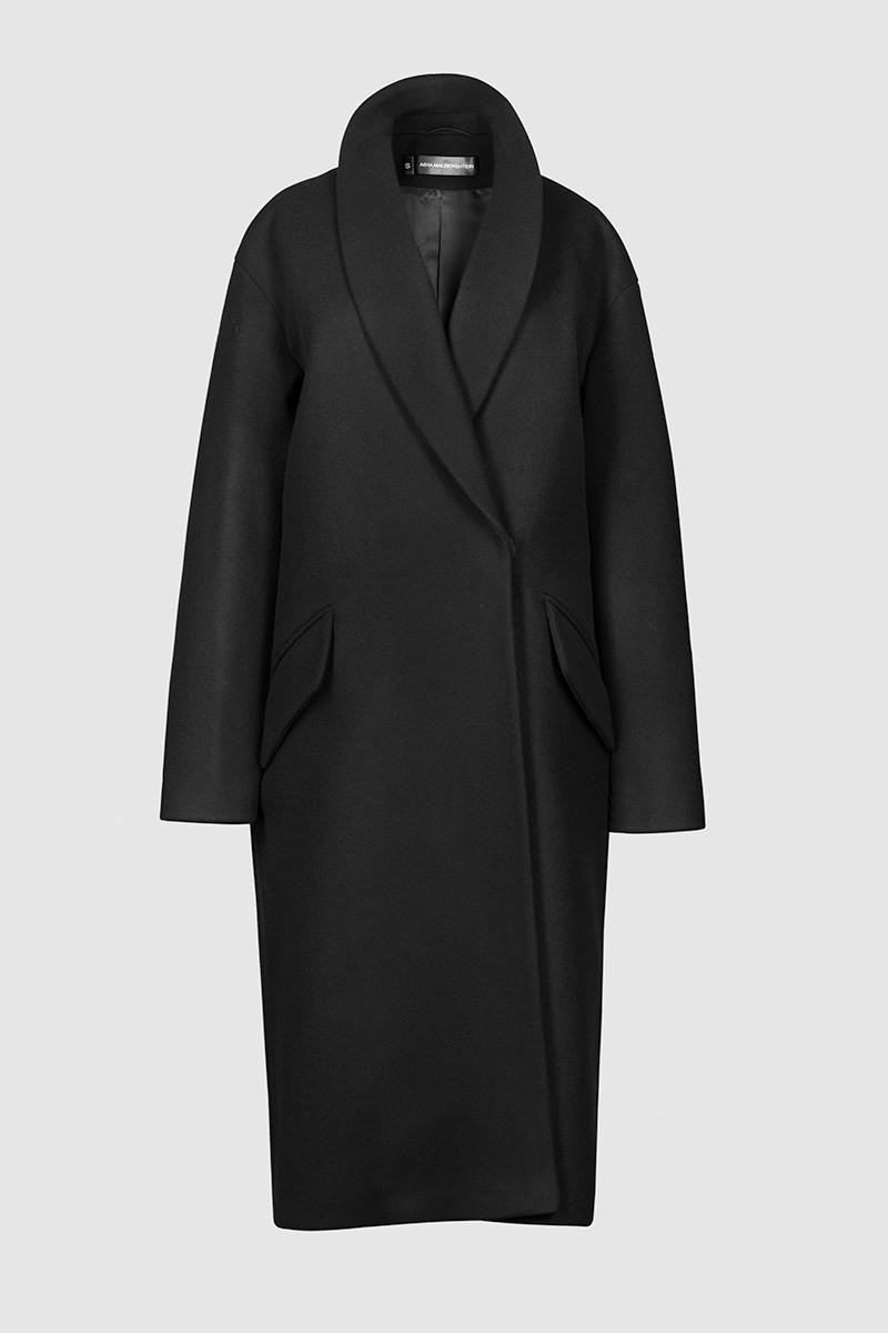 Пальто - БЕРЛИН (7.1)Пальто<br>Пальто с шалевым воротником&#13;<br>&#13;<br>Пальто BERLIN (Берлин) прямого, не приталенного силуэта с шалевым воротником на притачной стойке. Наклонные прорезные карманы с декоративными клапанами. Линия плеча расширена и опущена. Конструкция без подплечиков. Данная модель не утепляется, является демисезонной. Подходит для всех типов фигур - А, Т, О-образных.&#13;<br>&#13;<br>&#13;<br>рекомендуемая сезонность: весна, осень&#13;<br>&#13;<br>внутренний карман для телефона&#13;<br>&#13;<br>пришивные кнопки вместо пуговиц&#13;<br>&#13;<br>длина размера S при росте 164-170 см: 108 см&#13;<br>&#13;<br>модель имеет три ростовки: 158-164 см, 164-170 см и 170-176 см&#13;<br>&#13;<br>размер и другие нюансы уточняются при заказе, мы с вами связываемся по указанному вами номеру телефона&#13;<br>&#13;<br>&#13;<br>Если у вас остались вопросы, пишите нам на электронную почту ASYAMALBERSHTEIN@GMAIL.COM или звоните по номеру +7 (812) 649-17-99, мы постараемся ответить на ваши вопросы и помочь определиться вам с выбором или размерной сеткой наших изделий.<br><br>Цвет: Черный, Красный, Винный<br>Размер: XS, XXS, S, M, L<br>Ростовка: 152 - 158, 158 -164, 164 -170, 170 -176, 176 -182