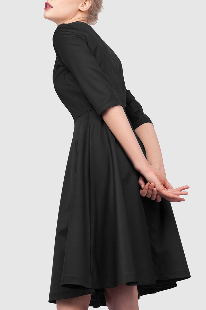 ПлатьеПлатье длинной мини, прилегающего силуэта с юбкой покроя полусолнце.&#13;<br>&#13;<br>&#13;<br>Рукав 3/4.&#13;<br>&#13;<br>Длина юбки (от талии до низа изделия): 60 см.&#13;<br>&#13;<br>Потайная молния на спинке.&#13;<br>&#13;<br>Платье имеет удобные карманы.&#13;<br>&#13;<br>Классический крой, точное соответствие размеру ГОСТа РФ.&#13;<br>&#13;<br>Ручная стирка или химчистка.<br><br>Цвет: Черный<br>Размер: XS, S, M<br>Ростовка: 158 -164, 164 -170, 170 -176