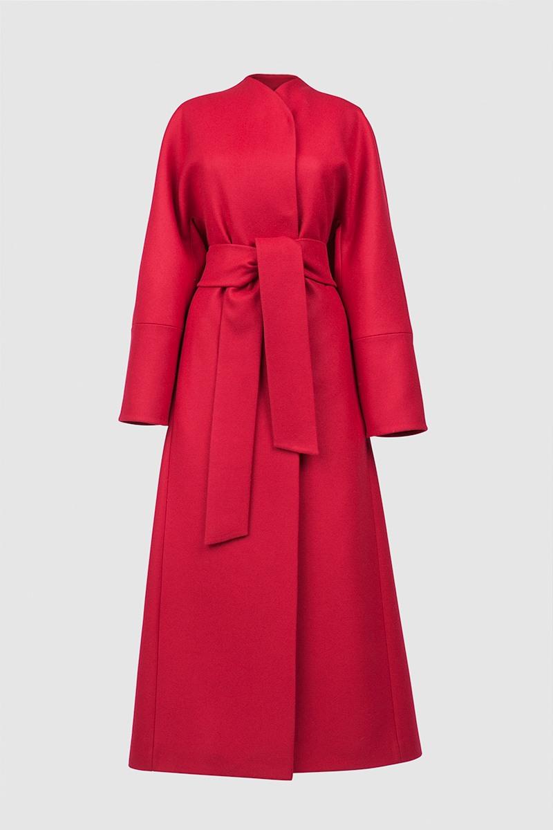 Пальто - ПЕКИН (6.0)Пальто<br>Эффектное пальто-кимоно с цельнокроеным рукавом &#13;<br>&#13;<br>Пальто прилегающего силуэта BEIJING (Пекин), слегка разширенное внизу, макси-длина, цвет холодный алый. Однобортный запах с застежкой на пришивные кнопки и закрепленным широким завязывающим поясом. Цельнокроеные рукава с широкой ластовицей. Карманы прорезные в рельефах, спинка со шлицей. Конструкция без подплечников. Данная модель не утепляется, является демисезонной. Подходит для всех типов фигур: А, Т, О-образных.&#13;<br>&#13;<br>&#13;<br>рекомендуемая сезонность: демисезон, осень&#13;<br>&#13;<br>кнопки вместо пуговиц, благодаря им у вас всегда имеется возможность корректировки этой модели пальто под себя&#13;<br>&#13;<br>внутренний карман для телефона&#13;<br>&#13;<br>модель имеет три ростовки, длина изделия по спинке: 128 см (при росте 158-164), 132 см (при росте 164-170), 136 см (при росте 170-176)&#13;<br>&#13;<br>размер и другие нюансы уточняются при заказе, мы с вами связываемся по указанному вами номеру телефона&#13;<br>&#13;<br>&#13;<br>Если у вас остались вопросы, пишите нам на электронную почту ASYAMALBERSHTEIN@GMAIL.COM или звоните по номеру +7 (812) 649-17-99, мы постараемся ответить на ваши вопросы и помочь определиться вам с выбором или размерной сеткой наших изделий.<br><br>Цвет: Красный<br>Размер: L, XS, S, M<br>Ростовка: 158 -164, 164 -170, 170 -176