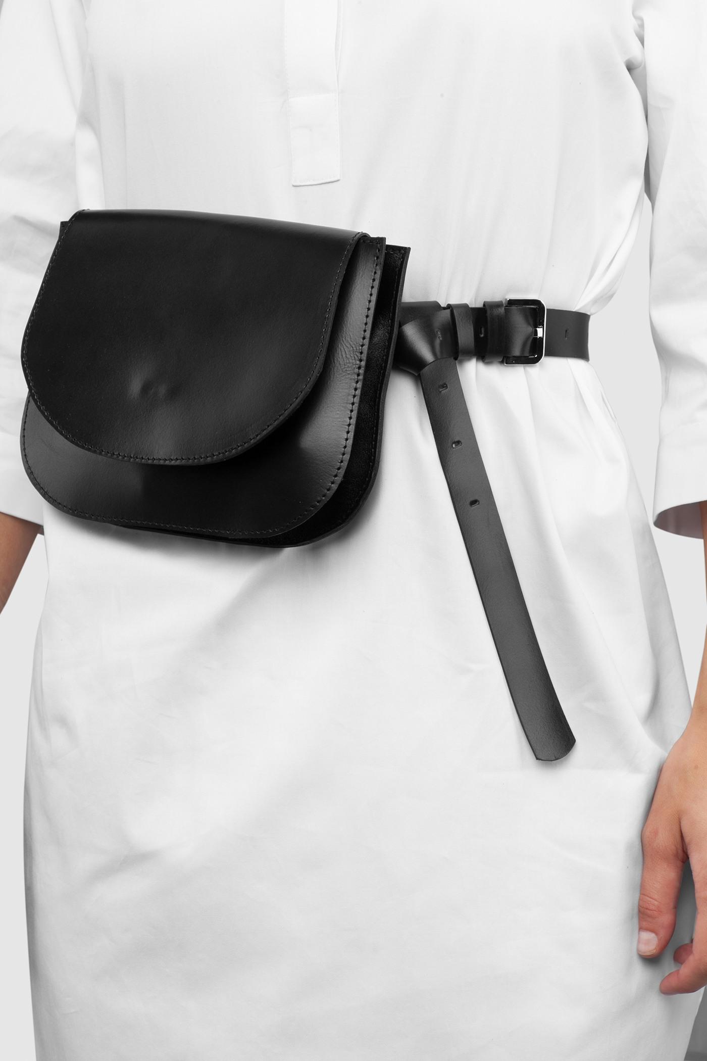 Сумка на поясСумка на пояс из натуральной кожи&#13;<br>&#13;<br>&#13;<br>размер сумки: 16х20,5 см&#13;<br>&#13;<br>в комплекте съёмный тонкий ремень, для того, чтобы носить сумку через плечо&#13;<br>&#13;<br>закрывается на магнитную кнопку&#13;<br>&#13;<br>два внутренних отделения&#13;<br>&#13;<br>помещается iPhone 6<br><br>Цвет: Черный, Белый