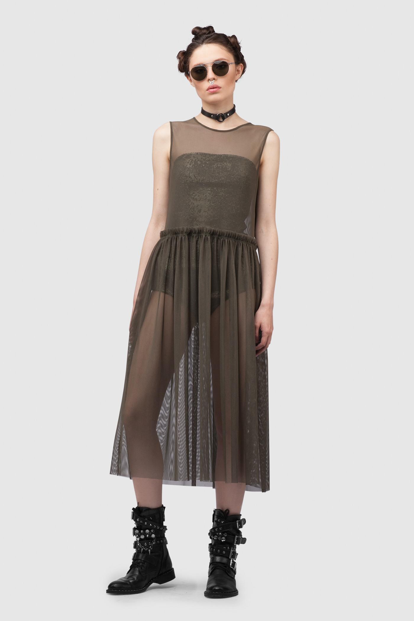 ПлатьеЛегкое струящееся платье без рукавов с отрезной талией.&#13;<br>&#13;<br>&#13;<br>свободный силуэт&#13;<br>&#13;<br>сетка - 100% фатин&#13;<br>&#13;<br>обхват талии по готовому изделию 86 см&#13;<br>&#13;<br>модель oversized (размер XS-S-M)&#13;<br>&#13;<br>боди продается отдельно, приобрести его можно в разделе Боди &#13;<br>&#13;<br>изделие можно носить поверх брюк, шорт, другого платья, например прилегающего силуэта&#13;<br>&#13;<br>длина по спинке 108 см в ростовке 164-170 см., длина может изменятся в зависимости от размера и ростовки&#13;<br>&#13;<br>размер и другие нюансы уточняются при заказе, мы с вами связываемся по указному вами номеру телефона<br><br>Цвет: Хаки - сетка , Черный - сетка<br>Размер: one size