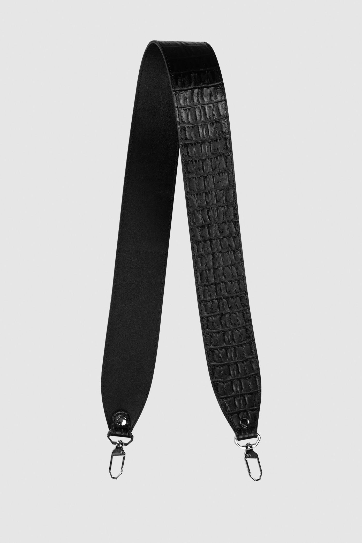 Ремешок на сумкуРемень широкий на двух карабинах из плотной натуральной кожи. Подходит к ряду моделей сумок.&#13;<br>&#13;<br>Размеры&#13;<br>Длина: 80 см&#13;<br>Ширина: 5 см<br><br>Цвет: Чёрный крокодил