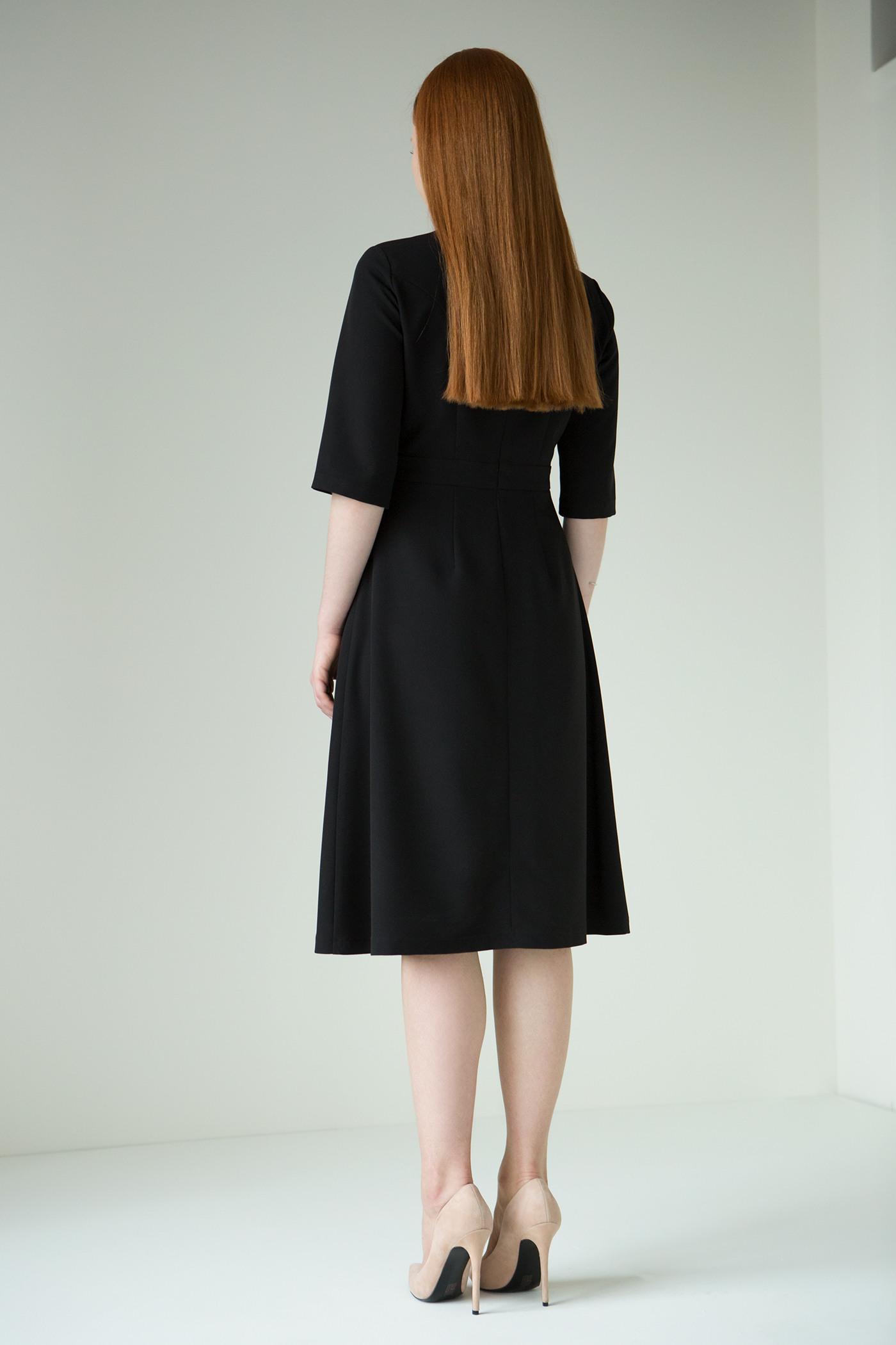 Вечернее платьеЭлегантное платье приталенного силуэта с воротником стойкой.&#13;<br>&#13;<br>&#13;<br>Застёгивается на потайную молнию сзади&#13;<br>&#13;<br>Глубокий V-образный вырез на груди&#13;<br>&#13;<br>Высота от пояса до выреза 14см&#13;<br>&#13;<br>Спереди по центральному шву юбки разрез длиной 35 см&#13;<br>&#13;<br>Длина юбки от линии талии (верхнего шва пояса) - 69 см&#13;<br>&#13;<br>Длина изделия при росте: 158-164 – 99 см, 164-170 - 102 см, 170-176 – 105 см<br><br>Цвет: Черный<br>Размер: XS, S, M, L<br>Ростовка: 158 -164, 164 -170, 170 -176