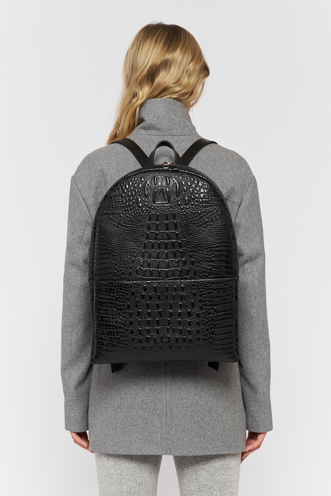 Asya Malbershtein  Ö1 backpack